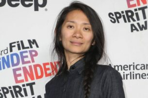 Хлоя Чжао получила «Оскара» как лучший режиссер за фильм «Земля кочевников»