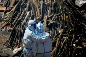 Индийский штамм COVID-19 может быть устойчив к вакцинам и скоро станет проблемой для всего мира