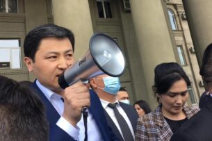 Улукбек Марипов ответил на требование об отставке министра внутренних дел из-за убийства Айзады