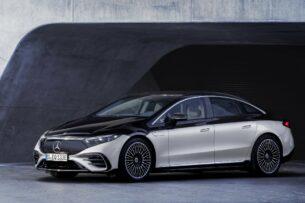 Компания Mercedes-Benz выпустила свой первый полностью электрический седан EQS