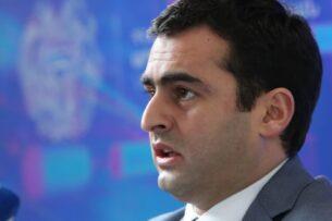 Министр в Армении ушёл в отставку после нападения на журналиста в кафе