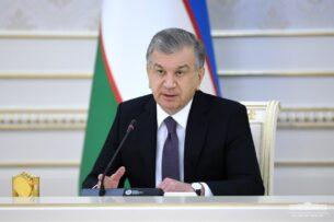 Бюджетников Узбекистана принуждают вступать в пропрезидентскую партию