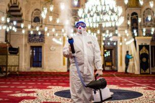 В Турции ужесточили ограничения из-за роста заболеваемости коронавирусом. Суточный прирост заболевших превысил 60 тыс