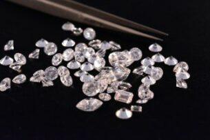Искусственный бриллиант оказался тверже натурального алмаза
