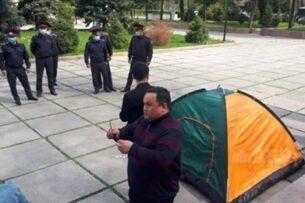 Недовольным результатами выборов партиям запретили митинговать и объявлять голодовку в Бишкеке