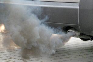 О каких проблемах с мотором автомобиля может говорить цвет выхлопа