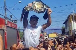 Фавелы, инвалидное кресло и невероятная сила воли: то, что известно о новом чемпионе UFC Чарльзе Оливейре