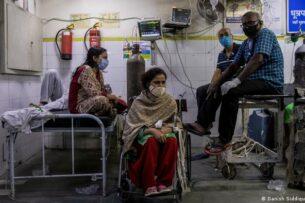 «Ковидная катастрофа» в Индии: как ведут себя звезды Болливуда?