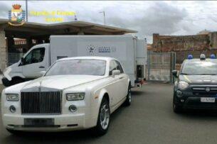 Rolls-Royce арестовали в Италии из-за кожи редкого крокодила. Люксовый автомобиль прибыл из России