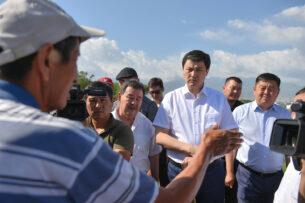 Глава Кабмина Кыргызстана встретился с фермерами и обсудил имеющиеся проблемные вопросы с поливной водой