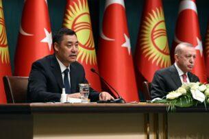 Садыр Жапаров призвал Турцию использовать аэропорт «Манас» как транспортно-логистический центр. Что еще предложил президент в Анкаре?
