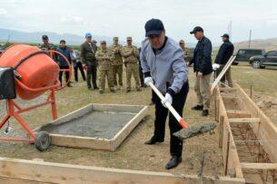 Министерство обороны Кыргызстана рассказало, почему остановилось строительство военного городка в Лейлекском районе