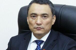 «В банковском руководстве уже пора «менять коней», старые выдохлись»: Депутат Саматбек Ибраев критикует позицию Нацбанка