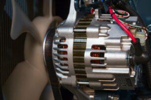 Пять ошибок водителей, которые могут вывести из строя генератор