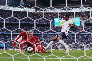 Главный тренер сборной Дании высказался о спорном пенальти в матче с Англией на Евро-2020