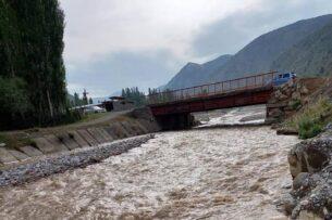 Из-за проливных дождей снова отключили подачу питьевой воды в Оше