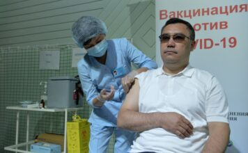 Садыр Жапаров призывает граждан получить вакцину против коронавируса