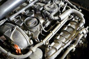 Почему даже новый мотор может «троить» летом