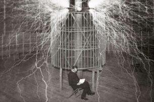 Что раньше: энергия или материя? Интервью с Николо Тесла