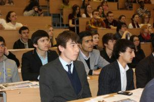 Таджикских студентов, обучающихся в вузах Кыргызстана, вернут на родину