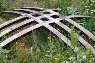 Аскар Айтматов: Тундук с могилы Чингиза Айтматова был именно выброшен на землю, а не вывешен в ротонде