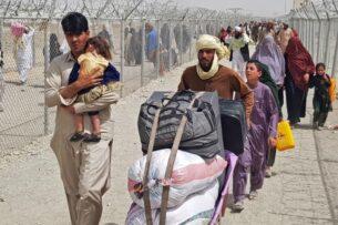 Туркменистан не пускает через границу афганских беженцев