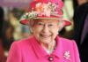 Королева Елизавета II потроллила не узнавших ее туристов