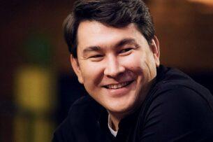Азамат Мусагалиев покорил соцсети песней на казахском языке