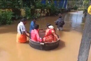 Из-за наводнения пара из Индии приплыла на свою свадьбу в казане