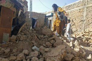 Около 20 человек погибли в результате землетрясения в Пакистане