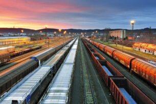 Бизнес просит правительство Казахстана ограничить транзит грузов из Китая в Европу